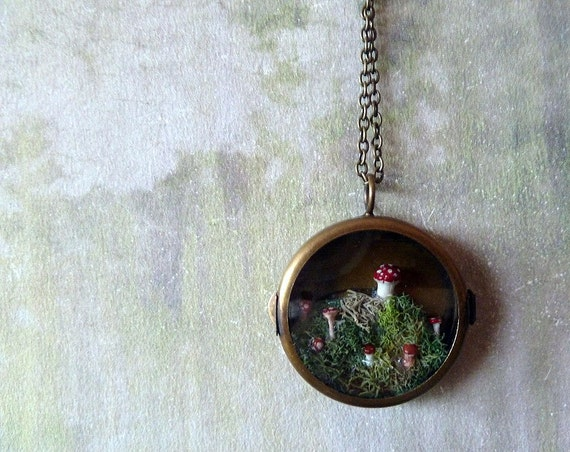 Through the Looking Glass -  Woodland Terrarium, Moss, Toadstool Musrooms Brass Locket Necklace