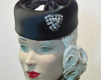 Vintage Art Deco 1930s 40s Tilt Pill Box Hat with Iridescent Rhinestones