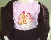 Pink YUM CUPCAKE applique T-Shirt