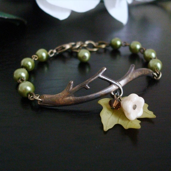 Free Shipping - Olivine Maple Twig Bracelet