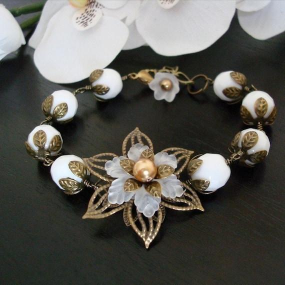 Free Shipping - Vintage Petals Bracelet