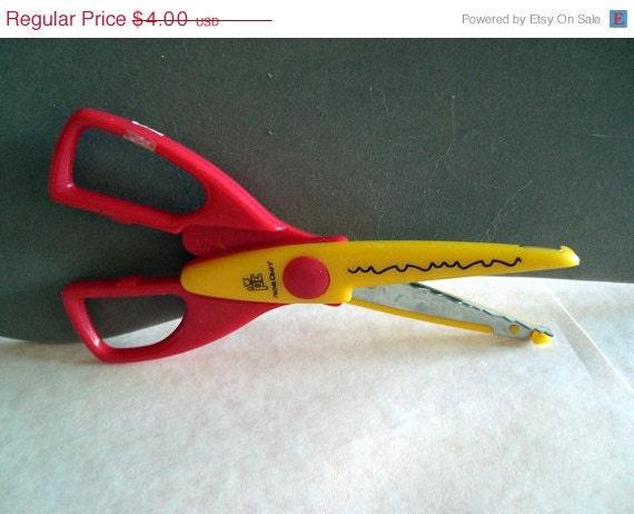 Provo Craft Paper Shapers Scissors