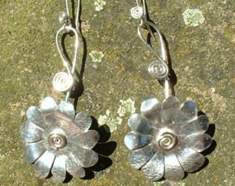 Silver Daisy Earrings, SquareHare, UK,  Free Postage, Vegan