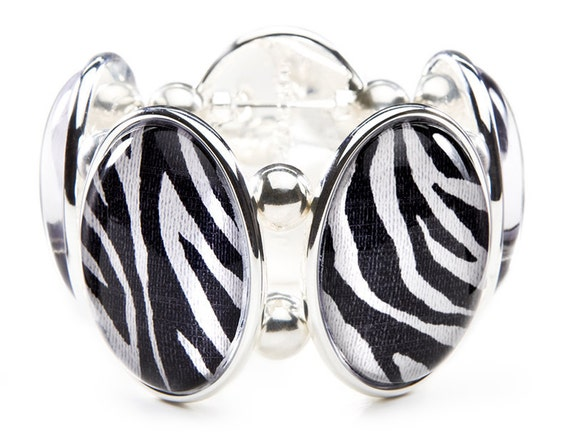 Zebra Oval Five-Cameo Stretch Bracelet