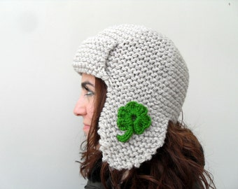 St Patricks Day Gift Pilot Hat for Adults Shamrock Hat Green and Beige Hat 3 Leaves Clover Knitted Beret Earflap Hat Aviator Hat