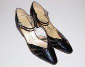 Vintage 1980s Caressa Shoes / Black Snakeskin Mesh / 7.5 M / 80s