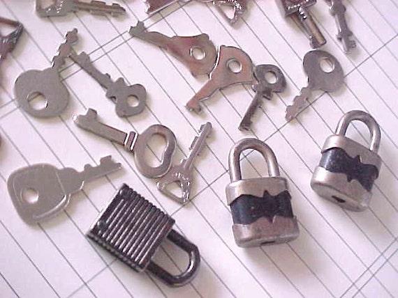 Itty Bitty Little Locks PLUS Flat Keys Steampunk Art Supplies Embellishments Destash
