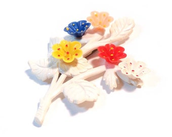 Vintage 1940s Large Novelty Flower Bouquet Bunch Celluloid  Pin Brooch