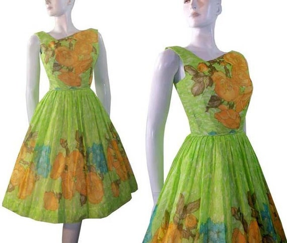 Garden Party Vintage 1950s 1960s Full Skirt Dress Flowers Poppies Roses Attached Crinoline