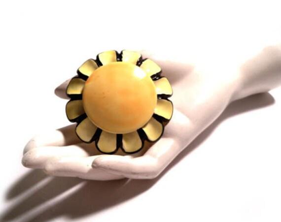 Vintage Super Sunshine Yellow Enamel Mod SANDOR CO Brooch Pin Sunflower