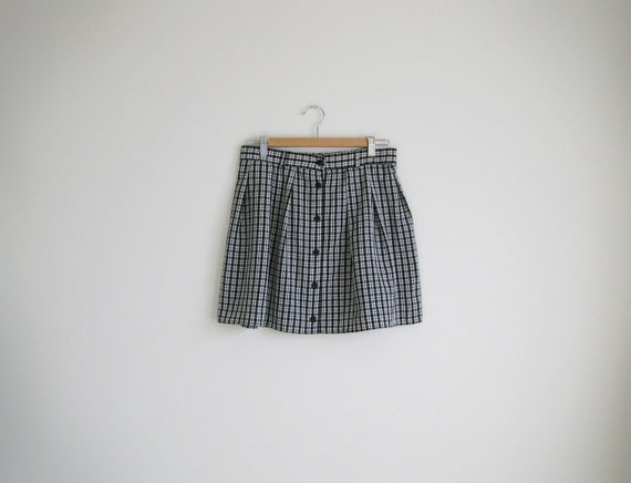 Vintage black and white plaid full mini skirt. (SALE)