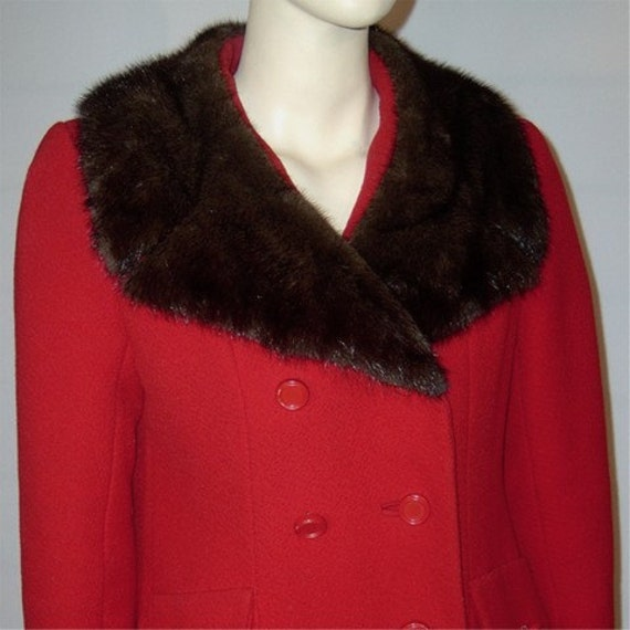 Vintage red wool coat mod with black mink fur Medium