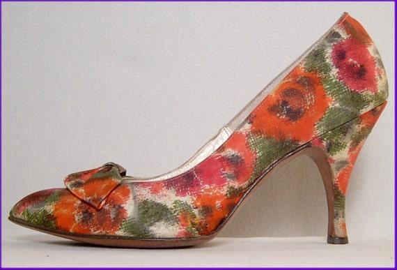 Vintage watercolor high heels shoes - 7 - orange green floral fabric - poppies - flowers