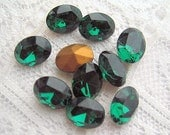8x6 Emerald Green Glass Oval Swarovski Rhinestone