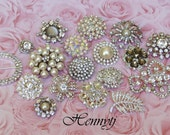 BEST SELLER: 18 Rhinestone Buttons with loop Assorted Pearl Round Diamante Crystal for Hair Flower Wedding Pillow Napkin garment