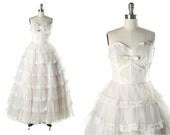 Vintage 1950s Dress . White Tulle . Lace . Full Skirt . Strapless . Bow . Velvet . Shirred . XS/S . 1472
