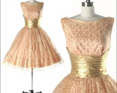 Vintage 1950s Dress . Gold Lace . White Tulle . Metallic . Lurex . Full Skirt . Shirred . Peach .  Bow . Sleeveless . XS/S . 1656