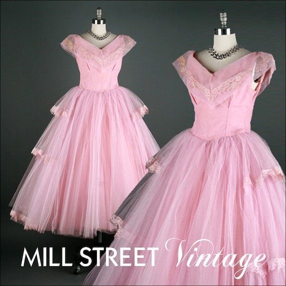 Vintage 1940s 1950s Dress . Lilac Tulle Lace . XS/S . 1386
