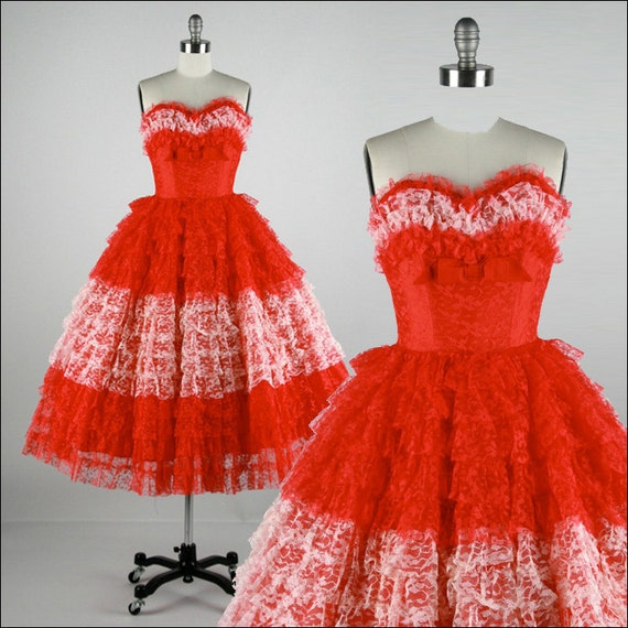 r e s e r v e d /// Vintage 1950s Dress . Red White Lace . Bow . Strapless . Full Skirt . XS . 1793