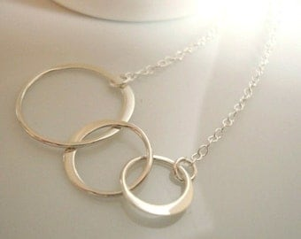silver circle necklace - gorgeous mirror finish - hammered polished sterling silver - great bridesmaid gifts