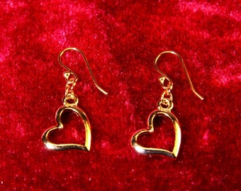Classic Gold Heart Earrings/Valentines Gift/Holiday Gifts for her/Alice in Wonderland earrings