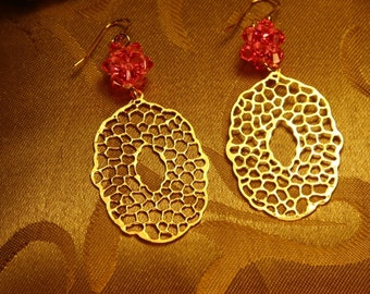 Honeycomb Gold Plated Earrings with Rose Swarovski Crystal flower balls/Wedding Gift/Bridesmaid Gift/holiday jewelry