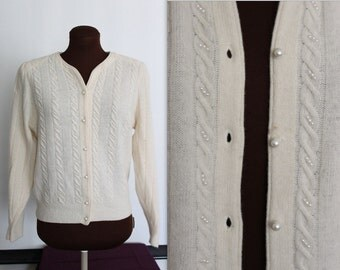 40% OFF SALE Cable Knit Cardigan / Vintage Cardigan / Sweater Girl (s-m)