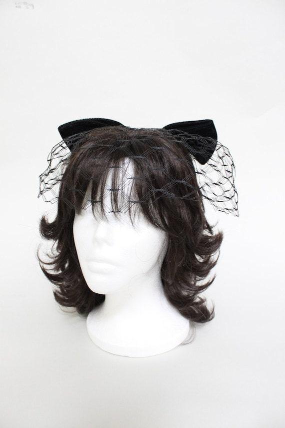 Vintage Fascinator / Vintage Hat / Oversized Velvet Bow
