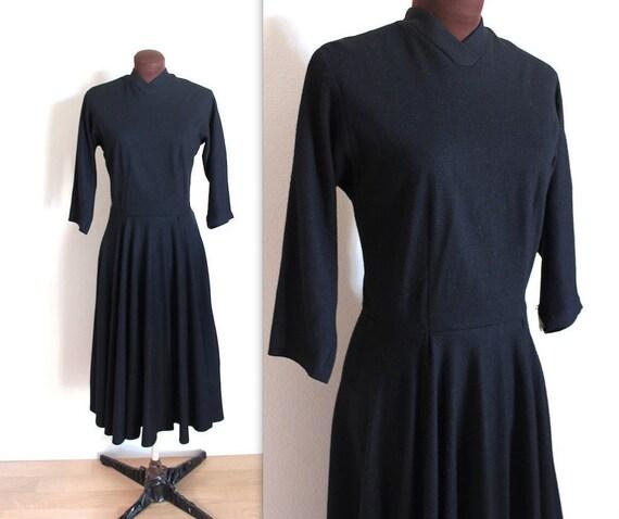 Vintage 1950's Full Skirt Classic Black Dress (m)