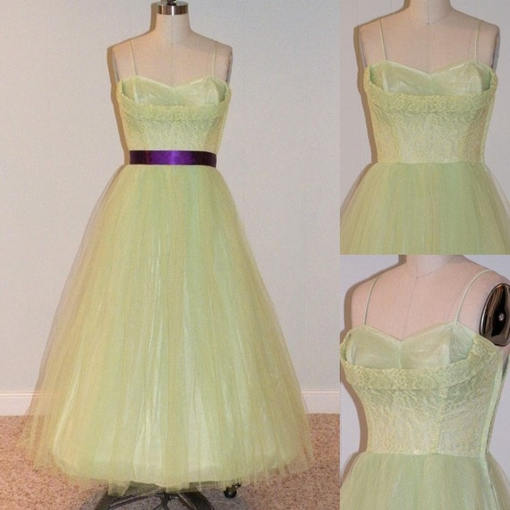 Vintage 1950s Party Dress, Lime Sherbert Tulle Sweetheart Shelf-Bust Floral Lace Formal Prom Wedding Party Dress, Full Skirt, Bombshell Chi