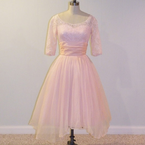 1950s Dress, 50s Pink Sweetheart Illusion Floral Lace Formal Cocktail Wedding Party Prom Dress, Full Skirt with Tiered Back, Bombshell Chic