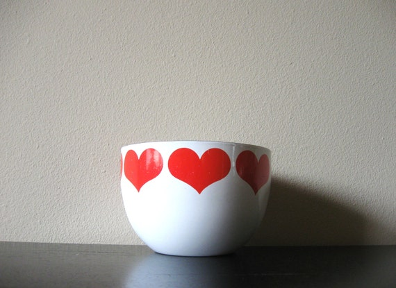 enamel finel heart bowl