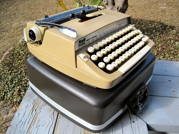 1962 Corona Super Sterling Typewriter (complete w/ case, key, ribbon)