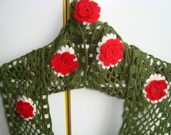 Hand Crocheted Scarf / Flower scarf / Red Green Scarf / Womens scarves