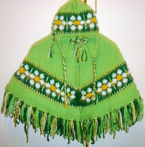 Girls Poncho, easter outfit, easter gift for girls Spring Daisy Poncho with Hat, Daisies Hand Knit Poncho, green, yellow, white