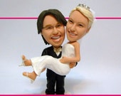 Miniyou wedding cake topper figurine - Groom holding Bride