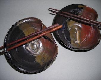 Pair of rice/noodle bowls
