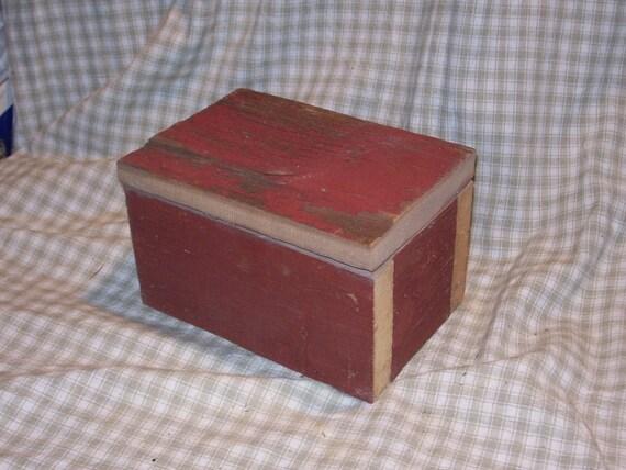 Red Barn Wood Box