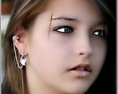 Handmade(1) Ear cuff with chained Silver Leaf Charms
