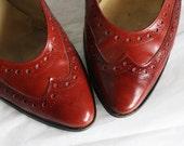 Vintage Cinnamon Evan Picone Wing Tip Heels Size 9 N