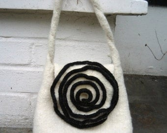 Cream & Black Rose Bag PDF Knitting Pattern