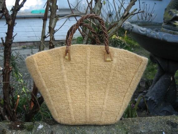 Celandine - PDF knitting pattern for felted basket