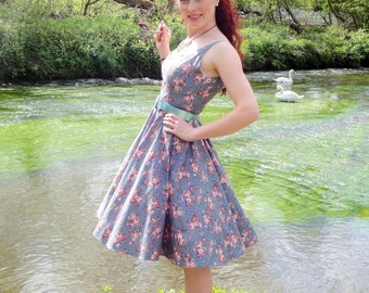 Floral print 1950 sundress with sweetheart neckline, low back and full circle skirt