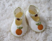 Baby Booties with Oranges  - Felt Baby Shoes - Can Be Personalized