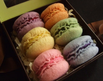 Felt Cookies - All the felt you need to make 18 Macarons - Pattern included