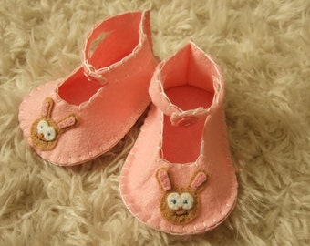 Pink Baby Booties with Bunnies - Felt Baby Shoes - Can Be Personalized