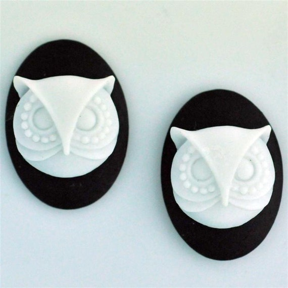 SMALL Set of 2 Black White Gothic Steampunk Hoot Owl Cameos 25mm x 18mm