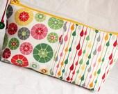 rainy days and mondays patchwork - zipper bag