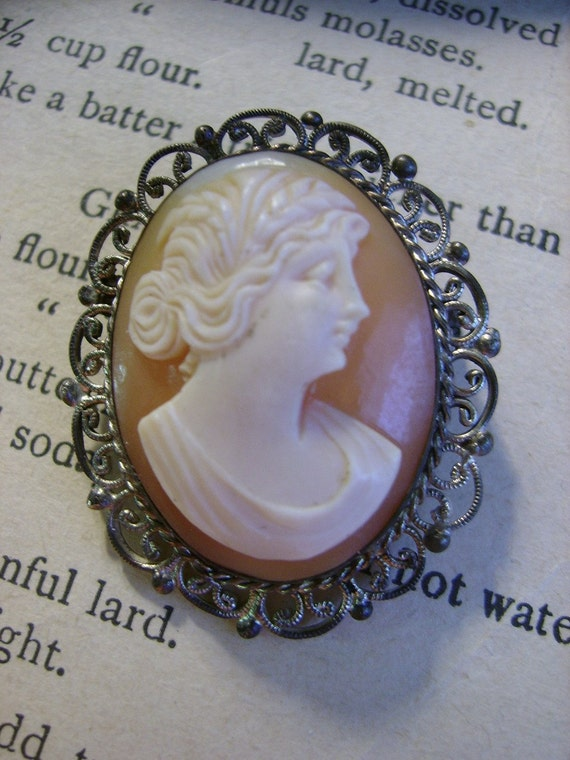 Antique Cameo Brooch or Pendant, Hand-Carved Shell Cameo - circa 1905