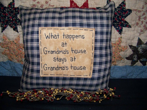New Grandmother Gift PRIMITIVE GRANDMA PILLOW Country Decor Rustic Accent Stitchery Prim Grungy Grubby Folk Art Nana Mawmaw Make Do Bench WHAT HAPPENS AT GRANDMAs STAYS AT GRANDMAs Grandparent Hand Stitched Primitave Plaid FREE US SHIPPING